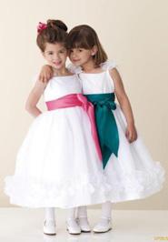 Каталог выпускных детских платьев